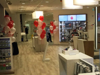 Canada Post Opens New Retail Concept Store Just In Time For Holiday Online Shoppers