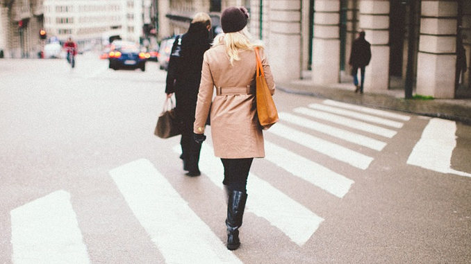 Most Canadians Support Law Banning Distracted Walking