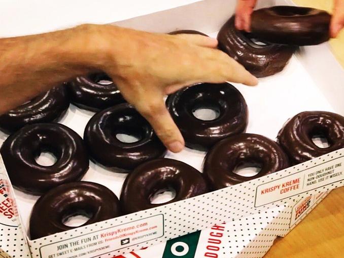 krispy kreme canada unveils chocolate glazed doughnuts to. Black Bedroom Furniture Sets. Home Design Ideas