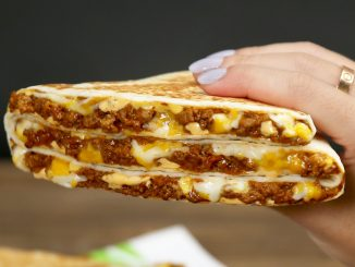 Taco Bell Canada Introduces New Grande Stacker